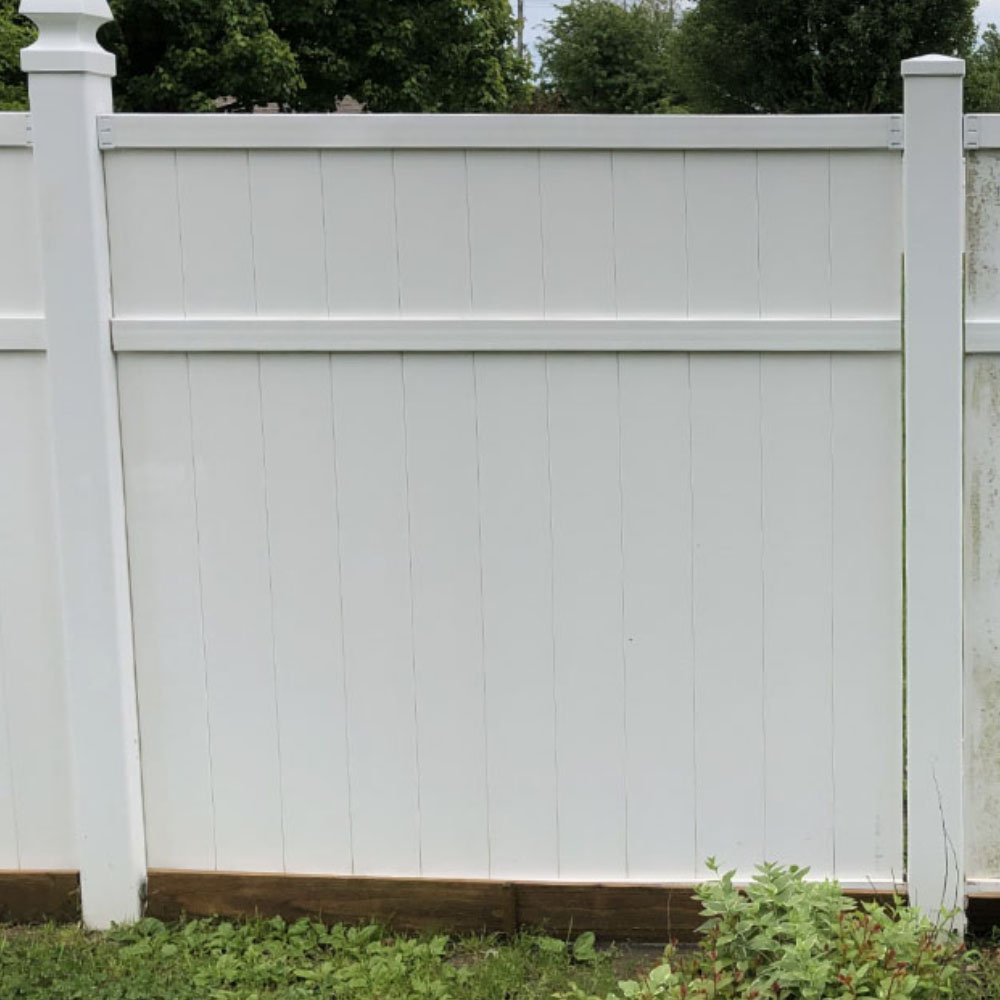 vinyl-fence-soft-washing-A