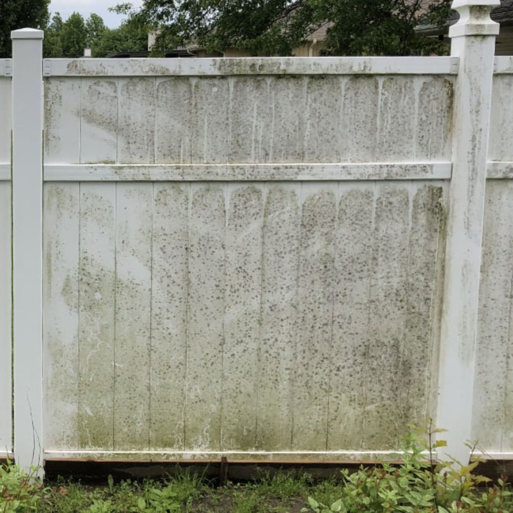 vinyl-fence-soft-washing-B
