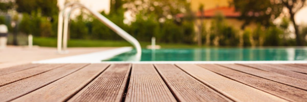 wooden-deck-cleaning